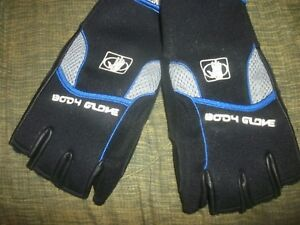 New Body Glove Half Finger Mechanic Style Gloves  Size Large (No tags)  (B168)
