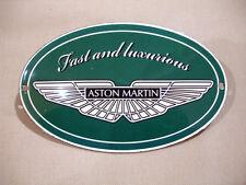 PLAQUE EMAILLEE bombée  OVALE LOGO ASTON MARTIN British car enameled sign
