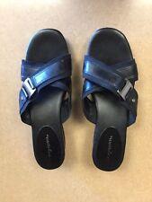 Easy Spirit Black Leather/Textile Side Buckle Slip on Wedge Sandals Size 8.5 M