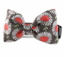 Daisies In Taupe Bow Tie Dog Collar