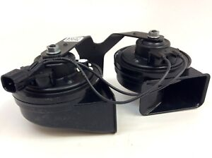 17-18 Ford F-250 F-350 Super Duty Electric Horn with Bracket new OE HC3Z-13832-E