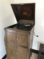 ANTIQUE VICTOR TALKING MACHINE VICTROLA VV XI Wind Up Record Player/Phonograph