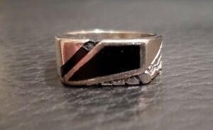 14k White Gold Designer Ring With Onyx Inlay size 12 12.5 8 gram