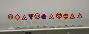 11 Stück alte  LEGO Verkehrszeichen