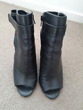 TONY BIANCO ladies black leather size 8 peep toe zip Up stiletto bootie heel