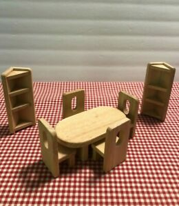 DOLL HOUSE FURNITURE~7 PIECES~OLDER~SOLID WOOD~HAND CRAFTED~DINING SET, ETC.