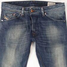 Homme Diesel DARRON 0885R Slim Tapered Bleu Jeans W32 L34 c5f10a133024