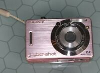 Sony Digital Still Camera 7.2 Mega Pixels Cyber Shot Pink Works great
