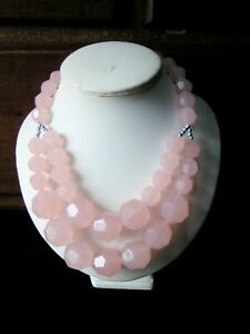 UNKNOWN ERA PINK LRG GRADUATED MOLDED FACETED - LUCITE BEADS DESIGN NECKLACE