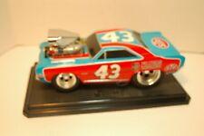 Muscle Machine 1:18 68 Dodge Dart #43 Richard Petty