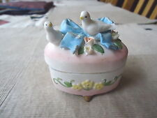 """Vintage Ceramic Doves On A Bow Trinket Box """" Beautiful Rare Collectable Piece """""""