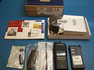 Motorola HT1250 UHF 450-527MHz 128 Channel New Unit  Tested