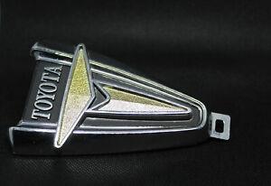 Toyota HILUX RN20 RN22 RN25 Pickup emblem badge Side NEW ORIGINAL STOCK 2X