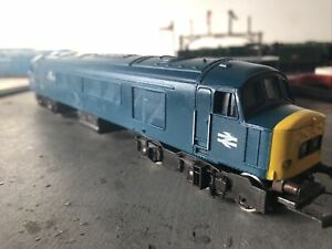 """Mainline 37-051 Class 45 039 """"The Manchester Regiment"""" In BR blue OO Gauge Boxed"""