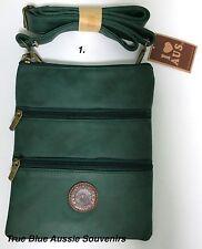 1x Australian Souvenir Travel Bags 3 Zipper Compartment Green Kangaroo Australia