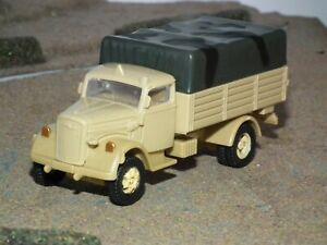 WWII DESERT CAMO GERMAN KFZ.305 OPEL BLITZ TRUCK MODEL BUILT - 1/72 SCALE