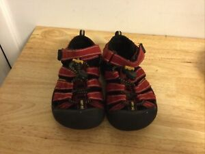 KEEN Toddler Boy Sandals Size 10   Red. Clean