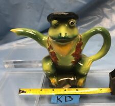 Mr Frog by Wood Potters of Buurslem Original Certificate of Authenticity K13