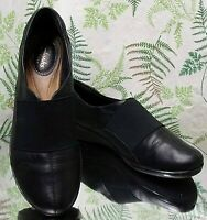 CLARKS BLACK LEATHER LOAFERS SLIP ONS WORK DRESS SHOES MOCCASINS WOMENS SZ 8 M