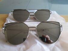 SILVER Frame Piatto Metallo Designer occhiali da sole a specchio. NEW. 2 PAIA.