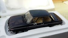 1:18 BMW 2002 L Noir Black Autoart neuf dans sa boîte