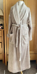 M&S Soft Fleece Dressing Gown Size 16-18 long length Taupe Very good condition