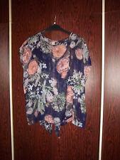 LOVE 2  extravagante BLUSE florales Design transparent hinten offen Zipfel