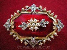 """Broche """"Néo Classique"""" N° 4 ciselée Perles Nacre - Bijoux pur Collection"""