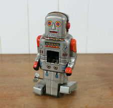 Vintage 1950s Japanese S.Y. Tin Toy ROBOT - Wind Up with Key