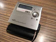 Sony MiniDisc MD R 909 + FB display Remote bel. (931) plateado + AA battfach
