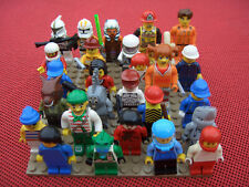 10 Lego Figuren zufällig sortiert mit Zubehör bzw. Kopfbedeckung / Haaren / Helm