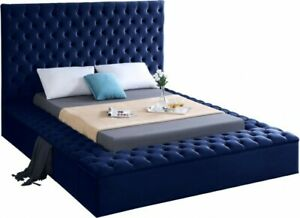New in Box Meridian Furniture Bliss Solid Wood Tufted Velvet Queen Bed in Blue