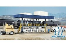WalthersCornerstone 933-3169 HO Scale Tanker Truck Loading Rack Building Kit