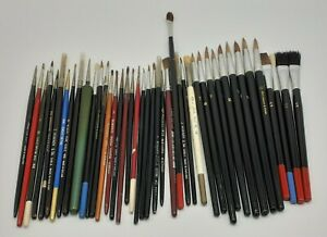 Mixed Lot 42 Artists Paint Brushes - Various Sizes and Brands