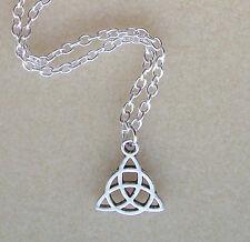 Piccolo Nodo Celtico Triquetra Trinità Ciondolo Collana catena placcata in argento