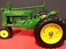 Ertl John Deere G 1/16 diecast metal farm tractor replica / toy