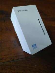 TP-Link TL-WPA4220 300Mbps AV500 WiFi Powerline Range Extender Gaming Adapter