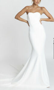 """SHOWPO """"VOWS FOR LIFE"""" MERMAID GOWN IN WHITE Size US Small 4"""