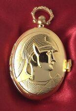 montre style ancienne ovale métal couleur or rodié déco relief homme romain