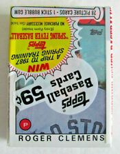 1986 TOPPS BASEBALL CARD CELLO PACK - ROGER CLEMENS on top ! , BOSTON RED SOX