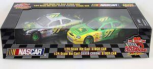 JOHN DEERE Nascar Racing Champions Special Edition 1:24 silver chrome Stock Car