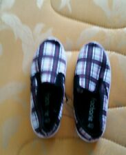 Printed slip on sneakers size 40/9 in check /berry spice