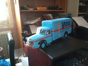 Willeme LC610 Huiles. Veedol. Garage moderne. 1/43. Hachette collections