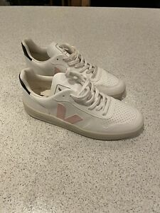 Veja V-10 Vegan Leather White Trainers Size 7 With Pink Logo