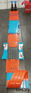 2018 Hot Wheels FTH77 Looping Track Builder System Race Crate