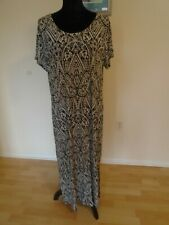 SOMA Preowned Black and White Floral Patterned Size XL Long Nightgown