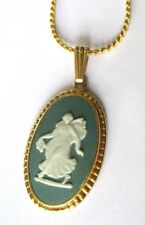 Superbe collier chaîne pendentif couleur or camée vert jade bijou vintage 2222