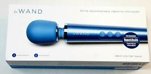 Le Wand Petite Rechargeable Vibrating Massager Brand New in Open Box