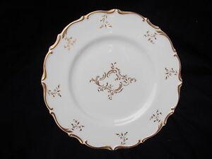 Royal Doulton  MONTEIGNE Dinner Plate. Diameter 10 1/2 inches