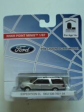 RIVER POINT  FORD  EXPEDITION  EL  SUV   SILVER    1/87  HO    PLASTIC  CAR